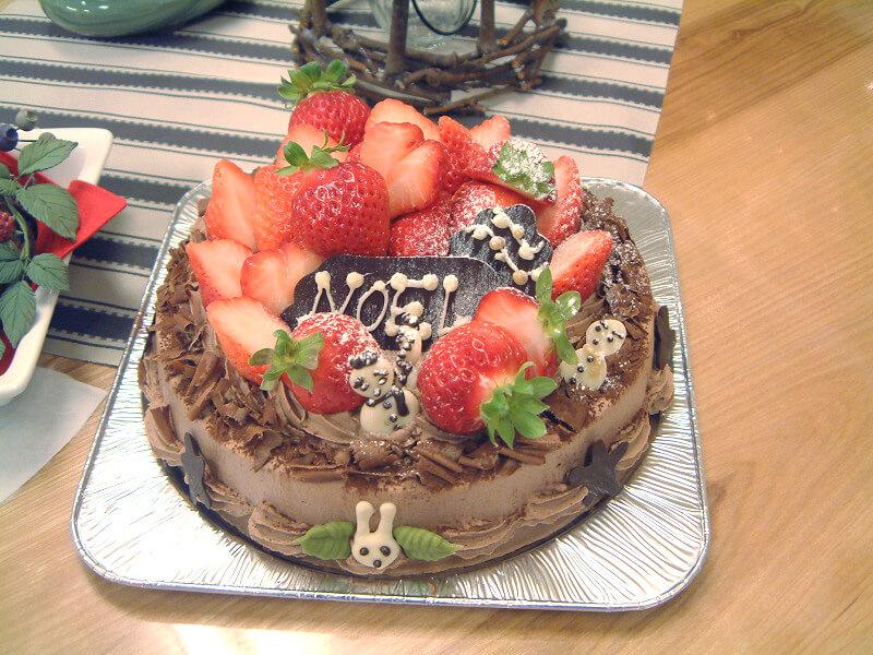 3月うさぎでは結婚記念日、誕生日などオリジナルケーキを作っています